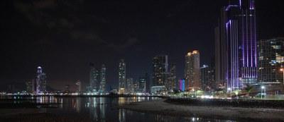 Panamá City, Skyline bei Nacht - Auslandsimmobilien zum Kauf oder zur Miete